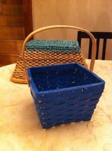 Plasti Dipped baskets! Great idea for outdoor baskets for plants.