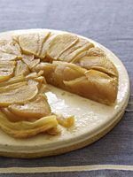 Apples + frozen puff pastry dough, thawed + butter + brown sugar = apple tarte Tatin Most tarte tatin recipes call for between to a whole stick of butter. My healthier version only uses enough … Puff Pastry Dough, Frozen Puff Pastry, Apple Recipes, Cake Recipes, Dessert Recipes, Holiday Recipes, Holiday Ideas, Just Desserts, Delicious Desserts