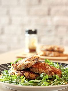 See related links to what you are looking for. Tuna Patties, Healthy Meal Prep, Healthy Alternatives, Salmon Burgers, Fish, Meals, Chicken, Ethnic Recipes, Fitness Meal Prep