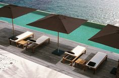 Discover the selection of products by Royal Botania, leading firm in outdoor furniture. Royal Botania creates refined, elegant and high-quality outdoor collections.   Ixit Sunbed, Kris Van Puyvelde  