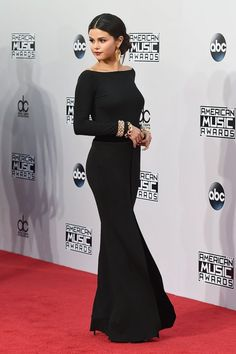 Selena Gomez in Armani Prive on the 2014 AMAs red carpet.