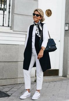 Best Outfits For Women Over 50 - Fashion Trends Over 60 Fashion, Mature Fashion, Over 50 Womens Fashion, Fashion Over 50, Look Fashion, 50 Style, Mode Style, Mode Outfits, Fashion Outfits