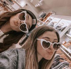 sunglasses vsco # insta l - sunglasses Cute Friend Pictures, Friend Photos, Bff Pics, Shooting Photo Amis, Best Friend Fotos, Summer Family Pictures, Photographie Portrait Inspiration, Best Friend Photography, Family Picture Outfits