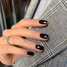 150 stunning short nail designs to inspire your next manicure - page 1 Burgundy Nails, Red Nails, Hair And Nails, Pastel Nails, Bling Nails, Black Gel Nails, Cute Nails, Pretty Nails, Faux Ongles Gel