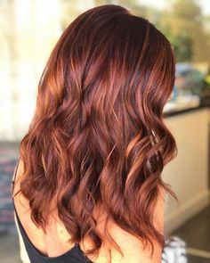 Copper red with subtle caramel balayage highlights. copper red with subtle caramel balayage highlights Balayage Caramel Ombre, Copper Balayage Brunette, Balayage Hair Copper, Caramel Hair, Hair Color Balayage, Dark Hair With Highlights, Caramel Highlights, Blonde Ombre Hair, Red Hair