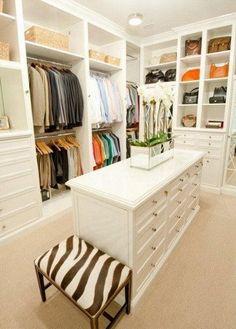 Stunning walk in closet | Closets | Closets ideas | Closets organization | Closets design | Closets walk in | Closets and dressing rooms | Closets shelves | Closets storage | Master closets | Closets makeover | Closets spaces