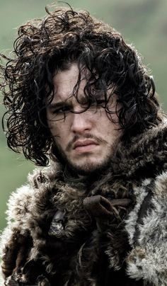 'Game of Thrones' Couple Kit Harington Rose Leslie Are Moving in Together Kit Harington, Hbo Game Of Thrones, Game Of Thrones Characters, Jon Schnee, Joe Dempsie, Curly Hair Types, King In The North, Daniel Gillies, Film Serie