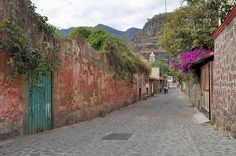 """Valle de Bravo, the """"Switzerland of Mexico"""" is a great getaway from Mexico City. #pueblosmagicos @Donna VALLE"""