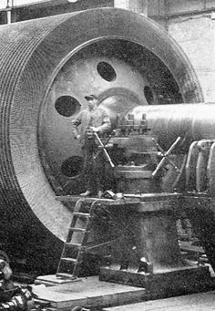 Armstrong-Whitworth: lathes and gun barrels Industrial Machinery, Heavy Machinery, Antique Tools, Old Tools, Heavy Equipment, Heavy Construction Equipment, Old Pictures, Old Photos, Machinist Tools