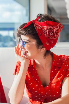 Portrait of young rockabilly girl smiling. by Audrey Shtecinjo for Stocksy Unite… Portrait of young rockabilly girl smiling. by Audrey Shtecinjo for Stocksy United Pin Up Vintage, Pin Up Retro, Look Vintage, Vintage Mode, Looks Rockabilly, Mode Rockabilly, Rockabilly Outfits, Rockabilly Fashion, 1950s Fashion