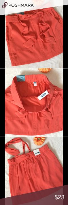 NWT Old Navy Coral Stretchy Pocket Skirt Old Navy NWT $29.94 Coral Color Skirt with tie Size M Shell- 82% Modal 18% Polyester  Lining-100% Polyester  16in Waist to hem 16in Waist unstretched  18in Waist Stretched  20in Hips 22in Bottom opening Fully Lined Deep front pockets Old Navy Skirts Mini