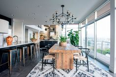 We Get a Glimpse of the Decorist Showhouse | Rue