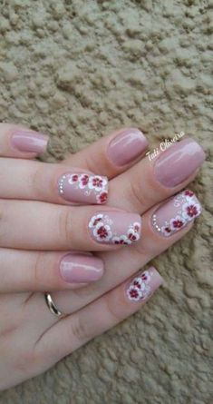 5 Unavoidable Floral Nail Art for Short Nails : Take a look! Your short nail deserves some amazing nail art design and Color. So, regarding that, we have gathered some lovely Floral Nail Art for Short Nail suggestions only for you. Floral Nail Art, Nail Art Diy, Fingernails Painted, Gel Nails French, Pink Nail Designs, Flower Nails, Trendy Nails, Spring Nails, Fun Nails