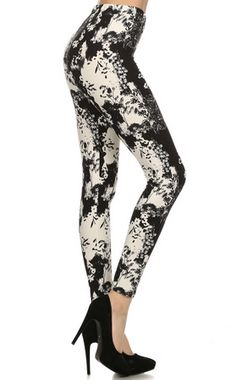Women's SUPER soft printed legging that has a comfortable elastic waist band, stretchy & flattering fit. Buskins Leggings, Leggings Depot, Cute Leggings, Leggings Fashion, Fashion Prints, Looks Great, Shop Now, Topshop, Sexy