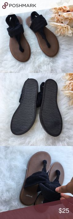 Sanuk Devine Black Thong Sandals In EUC size 5. Sanuk Shoes Sandals