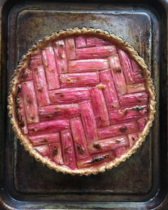 💗Has anyone else been watching Rick Stein's The Road To Mexico?? Food and travel in warm places, two of my favourite things put together, what's not to love?! This rhubarb tart is inspired by the rhubarb galette he had at @alicelouisewaters Chez Panisse. I used a different, sweet pastry (which you grate into the tart tin(!) then press in) and held back on the brushing of the rhubarb with melted butter three times (trying to show a bit of moderation after all the sugar which goes with the…