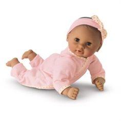 Loja acusada de racismo por vender boneca branca mais cara do que a negra e a asiática