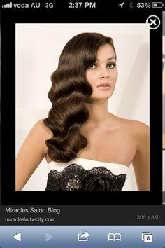 1930s hair: Finger curls