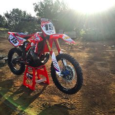 Motorcross Bike, Mx Bikes, Off Road Bikes, Custom Muscle Cars, Dirt Biking, Brompton, Dirtbikes, Atvs, Bike Stuff