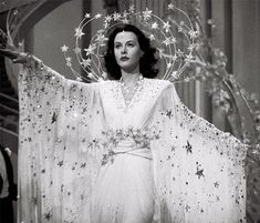 Hedy Lamarr in Ziegfeld Girl Glamour Vintage, Old Hollywood Glamour, Golden Age Of Hollywood, Vintage Hollywood, Hollywood Stars, Vintage Beauty, Classic Hollywood, Vintage Fashion, Diy Costumes