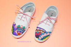 Paso a paso de cómo customizar unas bonitas zapatillas