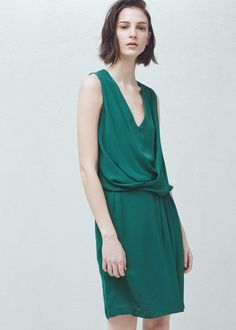 Zakładana drapowana sukienka - Sukienki dla Kobieta   MANGO Polska