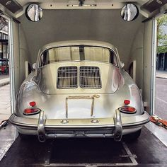 Awesome Porsche 2017: Here's one for our new Ridgeback chums Cafe_911 Boards - beautiful 356 returning... my dream car