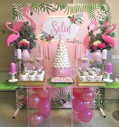 Flamingos still enchanting the parties! Repost Flamingos still encha Pink Flamingo Party, Flamingo Baby Shower, Flamingo Decor, Flamingo Birthday, Girl Birthday Decorations, Girl Baby Shower Decorations, Birthday Party Themes, Tropical Party, Shower Party