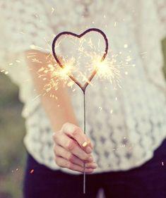 Heart Shaped Sparklers #CheapWeddingFavors #WeddingFavors #weddingtips