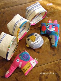 絵を描いたり布雑貨を作ったり。色々な「つくる」を楽しんでます。 Plush Dolls, Doll Toys, Puppet Toys, Fabric Dolls, Fabric Art, Handmade Toys, Handmade Crafts, Sewing Crafts, Sewing Projects