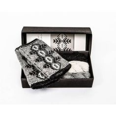Pulsvanter med latvisk mønster Twilight, Decorative Boxes, Threading, Decorative Storage Boxes