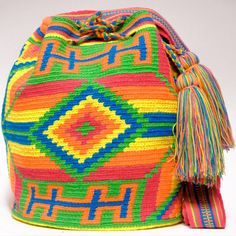Cabo Wayuu Bags - Woven by 2 Tread Count Tapestry Crochet, Crochet Poncho, Free Crochet, Crochet Bags, Tribal Patterns, Crochet Patterns, Boho Bags, Pattern Making, Beaded Embroidery