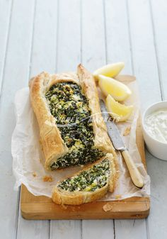 The Sydney Markets spinach ricotta pie Vegetarian Recipes, Cooking Recipes, Healthy Recipes, Spinach Ricotta Pie, 2 Eggs, Brushing, Appetisers, Green Onions, Ribs