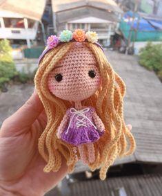 New Crochet Amigurumi Doll Hair 55 Ideas Crochet Amigurumi Free Patterns, Crochet Dolls Free Patterns, Knitting Patterns, Knitting Toys, Crochet Baby Toys, Cute Crochet, Knit Crochet, Crochet Disney, Doll Hair