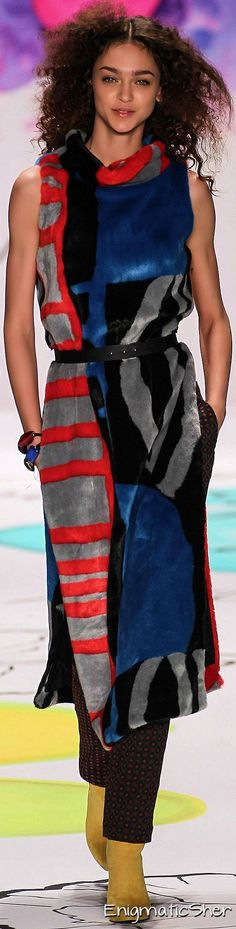 Desigual Fall-Winter 2015-2016 Ready-to-Wear