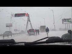 Шторм принес большой снегопад в Киеве, пробки и аварии в 2013 году. На улице был уже март, а снег падал и кружился, ему все равно что на улице март). Буря принесла множество аварий, и нанесла огромный ущерб столице Украины. Это было с 22 по 24 марта, после он уменьшился.