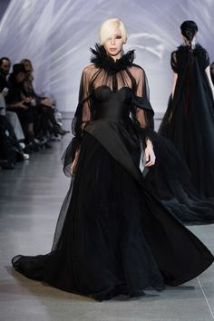 Phuong My Fall 2019 Ready-to-Wear Collection - Vogue