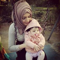 Photos of Beautiful Hijab Girls With Their Cute Kids