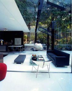 A-Modern-Live-In-Glass-Garage-4