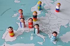 These are SO cute!! Flag Peg People Map Montessori by SortingSprinkles