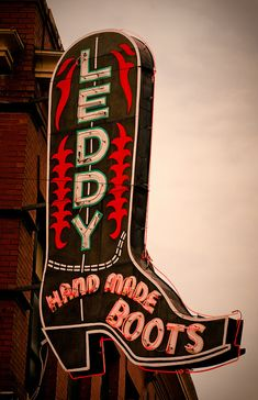 Leddy's Fort Worth, TX. THIS IS A MUST GO spot for all real Texans ya'll!