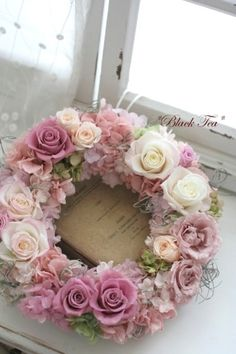 Pink Wreath, Diy Spring Wreath, Floral Wreath, Deco Floral, Ideas Geniales, How To Preserve Flowers, Easter Wreaths, How To Make Wreaths, Door Wreaths