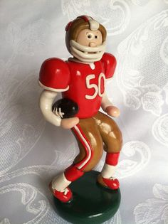 Custom Football Player with favorite Team and Number Cake Topper/figurine Number Cake Toppers, Number Cakes, Fondant Toppers, Polymer Project, Sport Cakes, Fondant Animals, Custom Football, People Figures, Sports Party