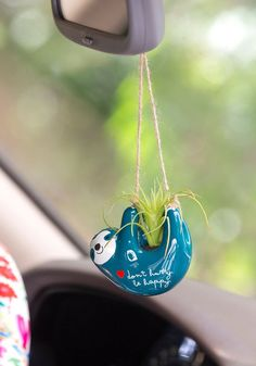 This Natural Life Sloth Mini Hanging Succulent features a life-like faux succulent in an adorable handmolded ceramic pot featuring gold details. Shop Now! Hanging Succulents, Faux Succulents, Cute Car Accessories, Car Hanging Accessories, Car Essentials, Deco Boheme, Boho Home, Gadgets, Car Hacks