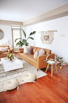 - A mix of mid-century modern, bohemian, and industrial interior style. Home and apartment decor, decoration ideas, home. Boho Living Room, Home Interior, Interior Design Living Room, Living Room Designs, Living Room Decor, Bohemian Room, Design Bedroom, Dining Room, Bohemian Living