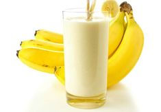 Protein Banana Smoothie with Wheat Germ. Healthy smoothies are a good breakfast food. Juice Smoothie, Smoothie Drinks, Smoothie Recipes, Juicer Recipes, Diet Recipes, Healthy Recipes, Healthy Detox, Healthy Smoothies, Healthy Drinks