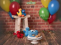Love a fun Sesame Street theme! Did you know that does custom cake smashes? Elmo Smash Cake, Baby Cake Smash, Birthday Cake Smash, Sesame Street Birthday Cakes, Sesame Street Cake, 1st Birthday Cake For Girls, 1st Boy Birthday, Birthday Ideas, Birthday Pictures