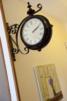 © Λιθόχτιστα Ξενώνες- Lithoxtista Guesthouses Country Style, Clock, Rustic, Elegant, Home Decor, Watch, Country Primitive, Classy, Rustic Style