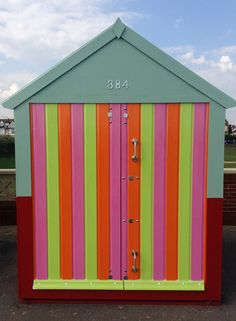 brighton beach hut - great Refresher style colours on this newly painted beach hut in Hove...