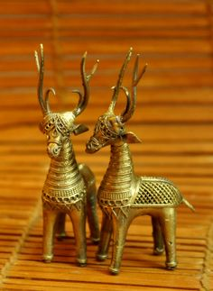 Dhokra Metal Craft products by The India Craft House India Crafts, Home Crafts, Arts And Crafts, Metal Crafts, Recycled Crafts, Brass Diyas, Wall Hanging Crafts, Samar, Ancient Jewelry